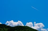 湯の湖畔 飛行機雲