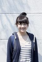 笑顔の10代女子大生