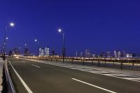 東京都 道とビル群