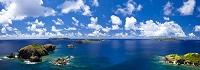 東京都 小富士から望む鰹鳥島と海