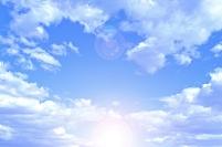 青空と雲と太陽