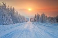 北海道 日の出と雪道