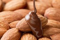 アーモンドにチョコレート