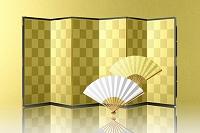 金屏風と扇子