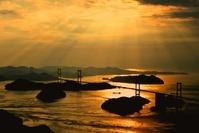 愛媛県 しまなみ海道 来島海峡大橋の夕景