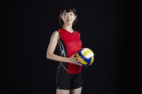 笑顔の女子バレーボール選手