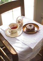 紅茶とドーナツ