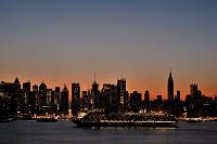 ニューヨーク 夜明けのマンハッタンスカイライン