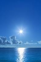 鹿児島県 太陽と積乱雲と海