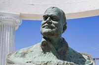 キューバ コヒマル ヘミングウェイ胸像