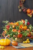 ハロウィンのフラワーアレンジとカボチャ