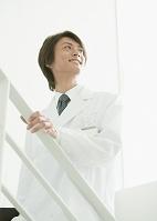 笑顔の医師