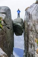ノルウェー シェラーグボルテン(奇跡の岩)
