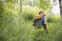 女性 ハイキング