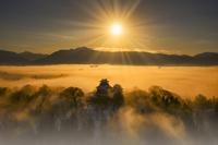 福井県 冬の越前大野城と雲海