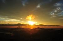 朝熊山より鳥羽湾の日の出