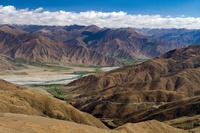 中国 チベット自治区 カムパラ峠よりラサ