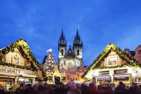 チェコ プラハ ティーン聖堂 クリスマスマーケット