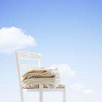 椅子とバスタオル