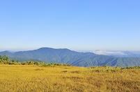 福島県桧 尾瀬 熊沢田代から望む上越の山並み