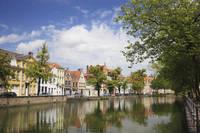 ベルギー ブルージュ 運河と家並み