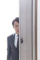 ストーキングする日本人男性