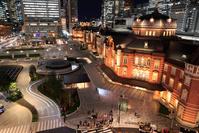 東京都 東京駅 丸の内駅前広場の夜景