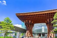 石川県 金沢駅東口 鼓門とおもてなしドーム