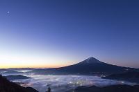 山梨県 新道峠 雲海と富士山