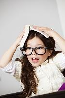 眼鏡をかけた女の子