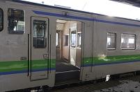 寒い土地の暮らし・北海道 客室と仕切られた列車の乗降口