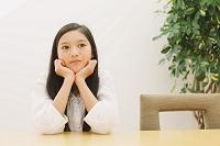 不機嫌な日本人の女の子
