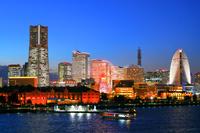 神奈川県 横浜 みなとみらいビル群の夜景 大桟橋から
