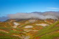 北海道 大雪山 黒岳石室より笠雲に覆われた北鎮岳