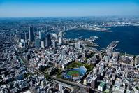 関内駅とみなとみらい地区より横浜港と横浜市街地