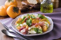 柿と生ハムとモッツァレラチーズサラダ