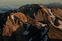長野県 白馬岳より杓子岳と白馬鑓ヶ岳 夕景