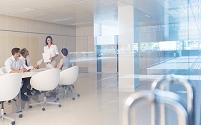 会議室のビジネスチーム