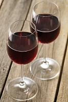 赤ワインの入ったグラス