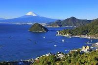 静岡県 駿河湾越しの富士山と淡島
