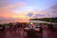 モルディブ 海を見渡すレストランのテラス