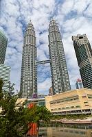 マレーシア クアラルンプール KLCC広場から望むツインタワー