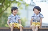 日本人の双子