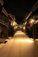 岐阜県 降雪明け早朝の上三之町の町並み