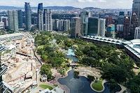 マレーシア 上空から見た高層ビル街