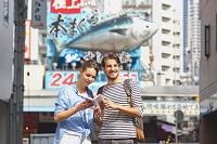 築地を観光する外国人