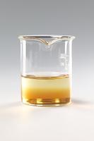 コーヒーシュガーが水に溶ける様子 B12-10
