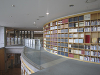 新潟県 新潟市 豊栄図書館 館内