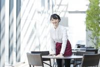 カフェの日本人店員