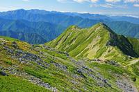 長野県 仙丈岳から大仙丈岳と南アルプスの山陵
